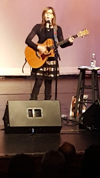 Lisa Loeb Live @ The Boulton Center, Long Island 03.30.17
